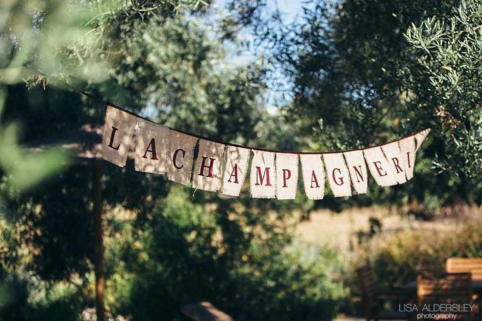 Hessian bunting saying La Champagneri