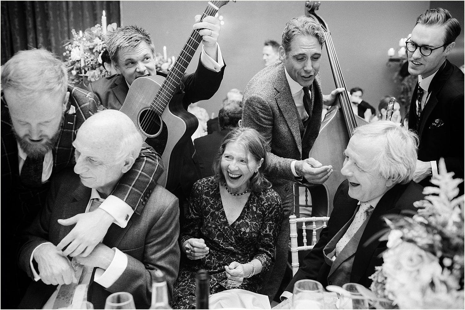 Guests serenaded by London Essentialsat Hampton Court House wedding