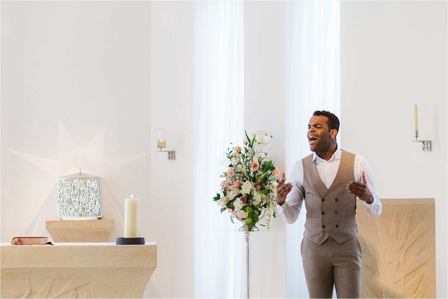 Singer entertains the congregation at Cheshire wedding ceremony